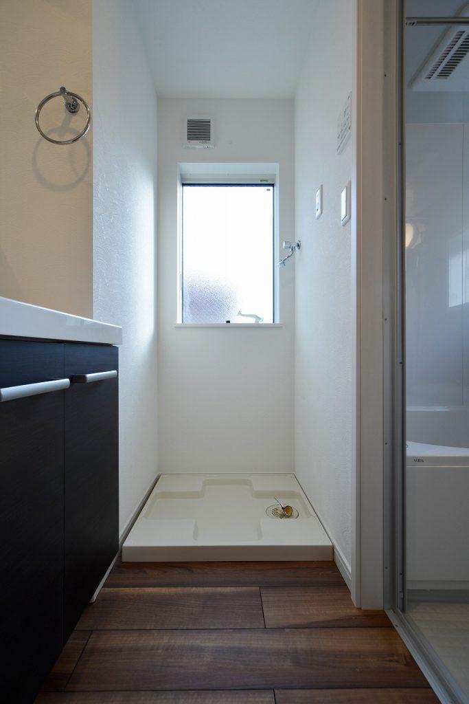 前回施工例:洗濯機置場