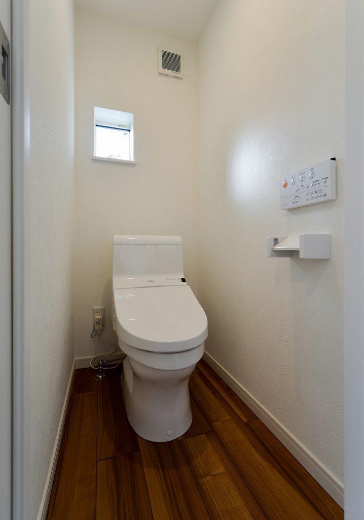 前回施工例:オーナー様住居部分トイレ